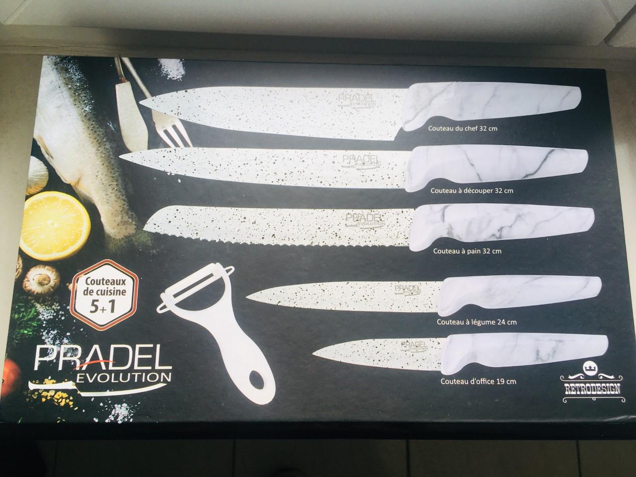 Coffret de 5 couteaux de cuisine au prix de 23,90 euros.